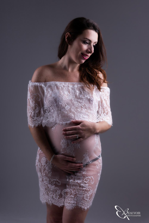 Fligez vos instants de grossesse dans mon studio Beauvoir Photography à Chambéry